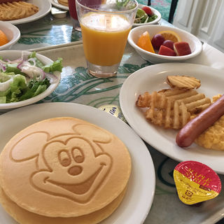 ディズニーキャラクター ブレックファスト(クリスタルパレス レストラン)
