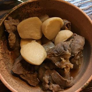スジ、コンニャク、小芋煮(万惣 )