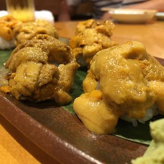 雲丹寿司の産地食べ比べ(築地虎杖 魚河岸千両 (うおがしせんりょう))