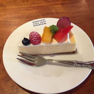 フルーツチーズケーキ(パパジョンズ 本店 (PAPAJon's))