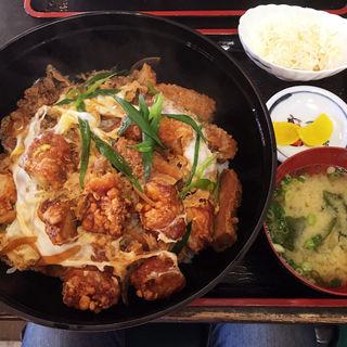 ゴジラ丼(みそ汁、サラダ付き)(官兵衛うどん)