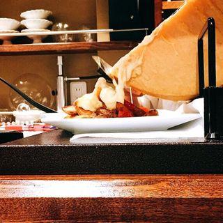 ラクレットチーズ(インカの目覚め)(鉄板ビストロ La Planche)