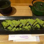 抹茶くず餅(船橋屋 コレド室町店)