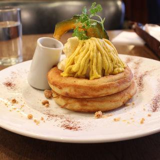 かぼちゃとクリームチーズのパンケーキ(カフェ&ブックス ビブリオテーク 東京・有楽町 (café & books bibliotheque))