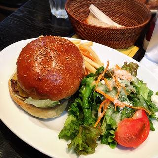牛100%パティのハンバーガー(土日限定)(サワムラ 広尾店 (SAWAMURA))