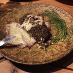 燻製合鴨とスカモルツァチーズのグリル