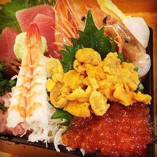 贅沢丼(お魚やの市場寿司南部市場店)