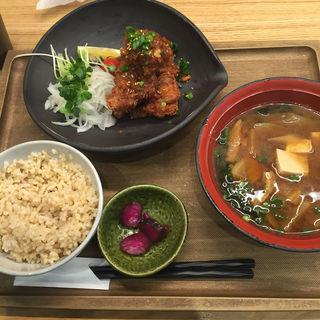 唐揚げ定食(おむすびのGABA 秋葉原店 )