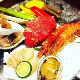 フィレ肉と魚介の鉄鍋焼きコース(その中のメイン料理)(餃子 たかすみ (ギョウザタカスミ))