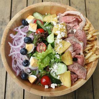 レインボーサラダ ローストビーフと7種の具材(RH Cafe 二子玉川店 (アールエイチカフェ))