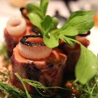ゆっくり火入れした静岡県産萬幻豚のフィレ(TWO ROOMS Grill |Bar (TWO ROOMS グリル | バー))