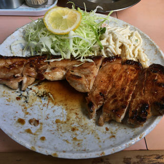 ロース焼肉定食(並)(ひかり食堂)