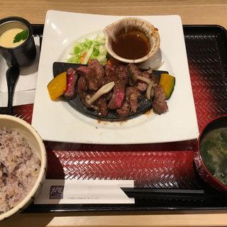 炭火焼きビフテキ定食(大戸屋 泉北パンジョ店 )