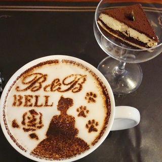 美女と野獣のラテアート(Cafe&Restaurant『Beauty & the Beast』)