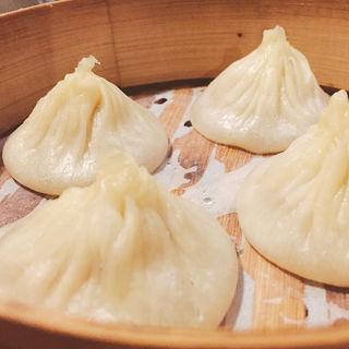 海老入り上海小籠包 4コ(上海小籠包 厨房 阿杏 新宿店 (ああん))
