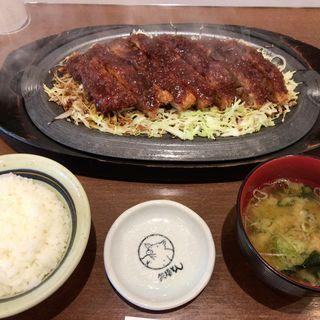 鉄板とんかつ定食(みそかつ 矢場とん 福岡JR博多シティ店)
