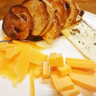 チーズ盛り合わせ(ブラッスリードロー (Brasserie de l'eau))