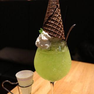 メロンのクリームソーダ(100本のスプーン FUTAKOTAMAGAWA)