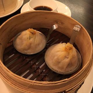 上海蟹味噌入り小籠包(中国料理 彩龍 (サイリュウ))