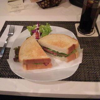 アイスコーヒー+サンドイッチ セット(モンキチ (Monkichi))