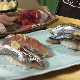 刺し盛り 秋刀魚握り 鯵の握り(マグロー )
