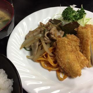 A定食 生姜焼きとイカフライ(ぱいち )