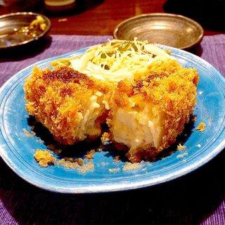 グラタンコロッケ(酒・肴 おまた (さけさかなおまた))