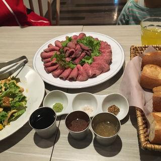 ローストビーフ食べ放題(恵比寿楽園テーブル )