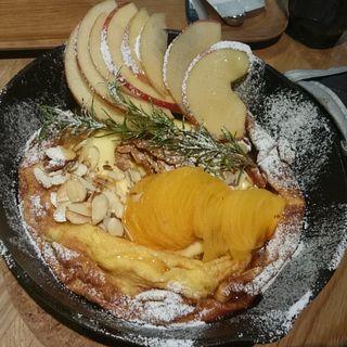 季節のパンケーキ 林檎と柿(RAMO FRUTAS CAFE)