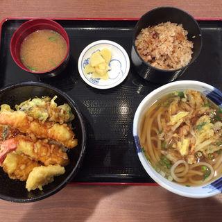 天丼、かき揚げうどん、たこ飯(姫路とれとれ市場 )