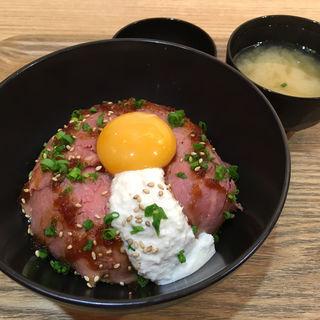 ローストビーフ丼L 〜洋風わさびソース〜(オムズ 福岡パルコ店 (OMS.))