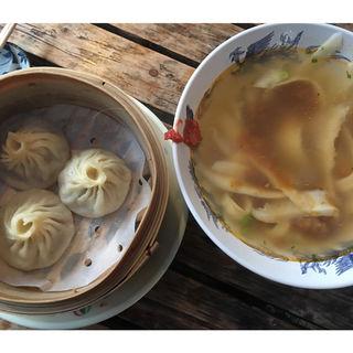 ピリ辛台湾刀削麺&小籠包(香嵐渓)