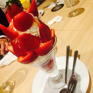 あまおう苺のパフェ(果実園 東京店 )