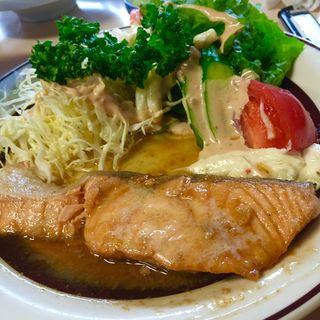 生鮭バター焼き定食(磯野家 (いそのや))