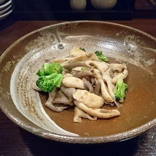 平茸ガーリックソテー(酒場おっとん)