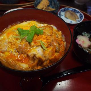 比内地鶏とろとろ親子丼(桜の里 )