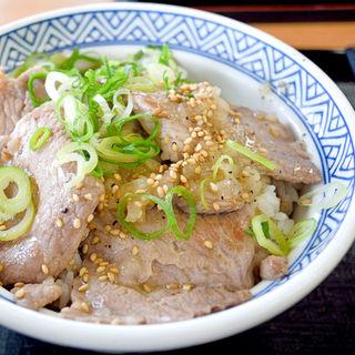 ねぎ塩ロース豚丼並盛(吉野家 高松中央インター店 )