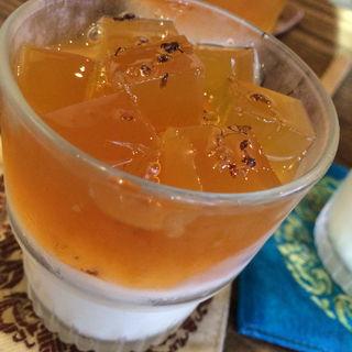 ランチ杏仁豆腐(台湾茶藝館 月和茶 吉祥寺店 (ユエフウチャ))