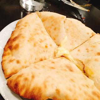 チーズナン(カーンケバブビリヤニ (Khan kebab biryani))