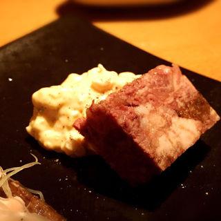 和牛のコンビーフとインカのめざめのポテトサラダ(クヨール (CUJORL))