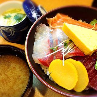 海鮮丼(ちゃすけ )