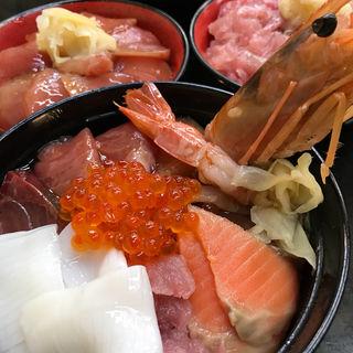 海鮮丼(朝市新鮮広場うおすい )