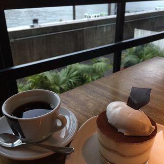 紅茶のティラミス(シエロイリオ (Riverside Cafe Cielo y Rio))
