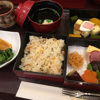 季節のお弁当(かんみこより 川西阪急店 )