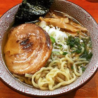 あご煮干し  太麺   豚バラチャーシュー(麺や 虎ノ道)
