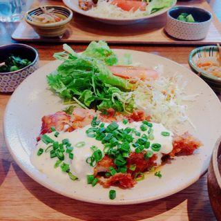 自家製タルタルソースのチキン南蛮定食(#702 CAFE&DINER なんば (ナナマルニ カフェアンドダイナー))