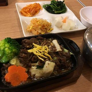 純豆腐とプルコギセット(白さんの純豆腐 (ペクサンノスンドゥブ))