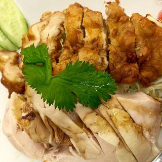 海南チキン ハーフ 揚げ&蒸し(シンガポール海南鶏飯 赤坂店 (ハイナンチーファン))