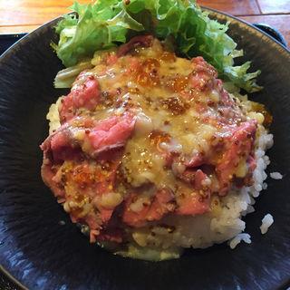 ローストビーフ丼(金山グリル En (エン))