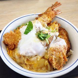 牡蠣フライの海鮮合い盛り丼(かつや 福岡箱崎店)